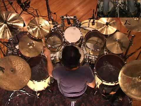 Mike Mangini - Drumhead Solo (birds eye)