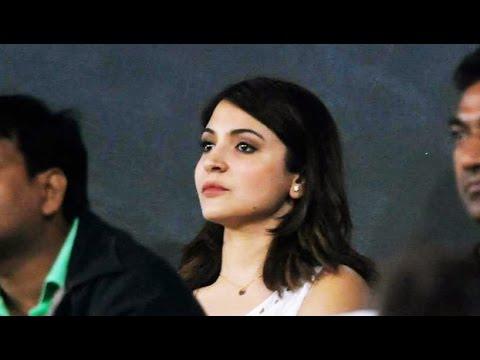 Virat Kohli blew a flying kiss to Anushka Sharma : Kohli cross 6000 runs in ODIs
