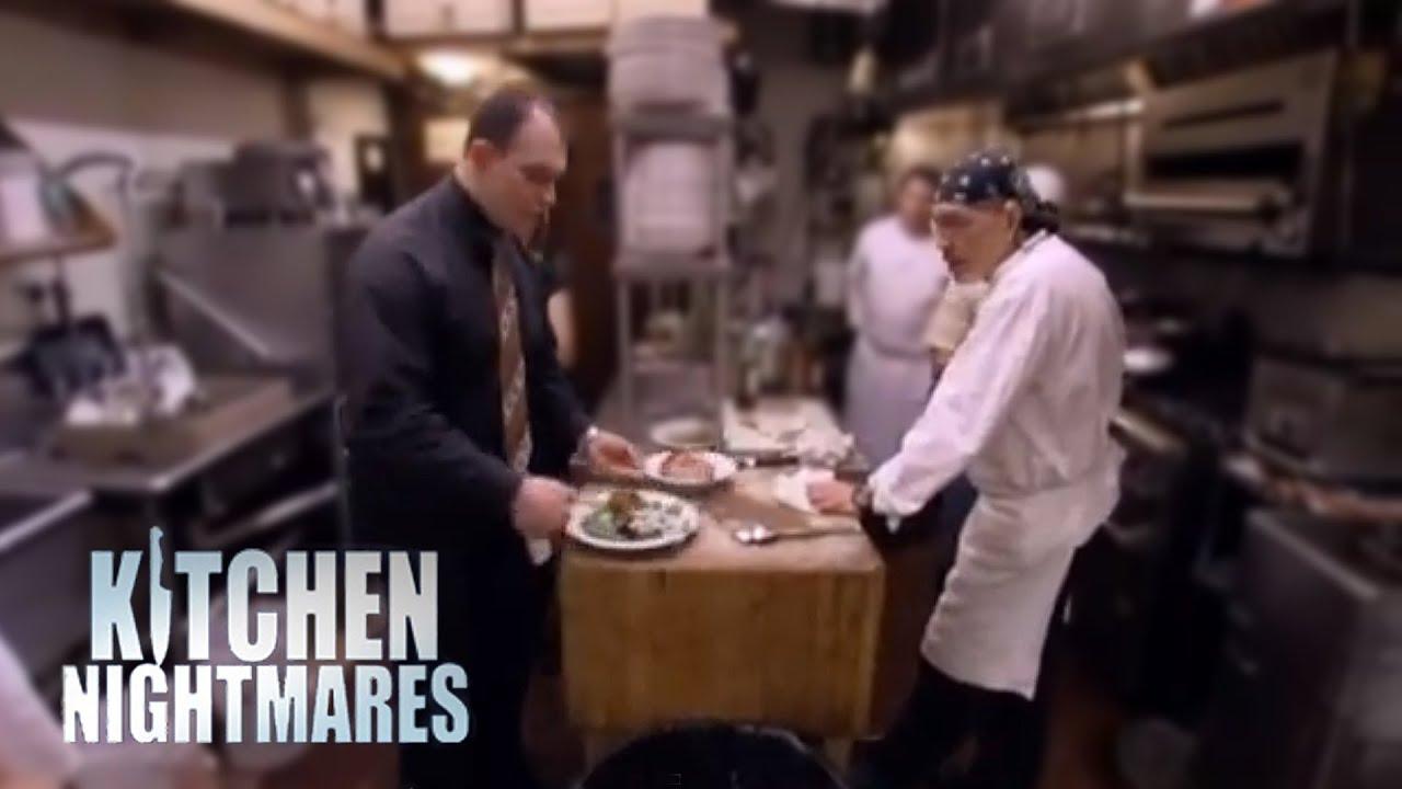 Fight Erupts In Restaurant Kitchen