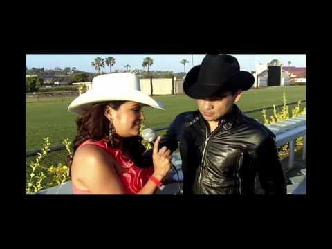 Monica Hernandez de 106.5 La Nueva Entrevista a Dareyes de la Sierra
