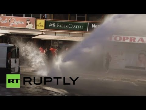 Video: Water cannon douses protests in Turkey's Soma