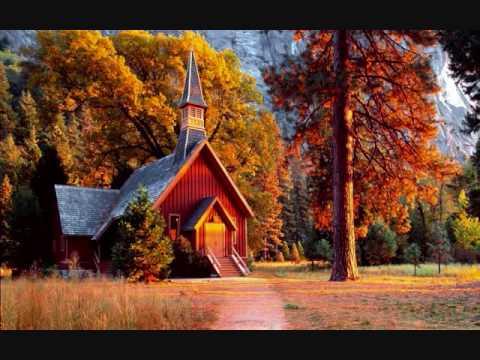 Loretta Lynn - I pray my way out of trouble