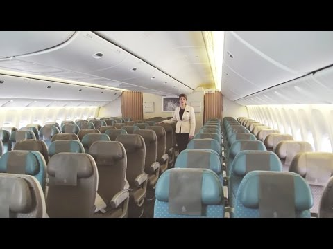 Experience Economy Class on the Boeing 777-300ER | Singapore Airlines