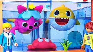 Pinkfong, Baby Shark Bath Toy! Go to the Aquarium with Shark Family #PinkyPopTOY