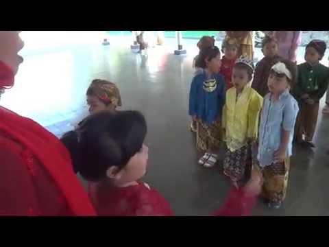 Mars/Hymne Tamansiswa oleh Anak Anak Taman Indria Ibu Pawiyatan Tamansiswa Yogyakarta