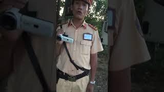 Csgt huyện Cam Lộ- Quảng Trị gặp tài xế cứng.