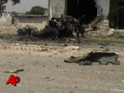 Car Bomb Kills 14 in Somalia