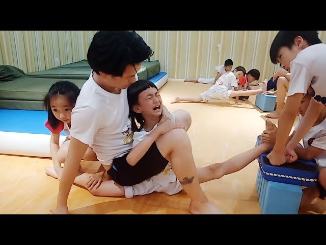 Taekwondo leg flexibility training is not as easy as you thought thumbnail