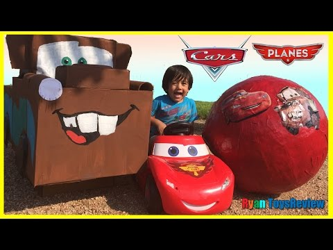 Disney Cars Toys GIANT EGG SURPRISE OPENING Lightning McQueen Tow Mater Kids Video Ryan ToysReview