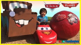 Disney Cars Toys GIANT EGG SURPRISE OPENING Lightning McQueen Tow Mater Kids Ryan ToysReview