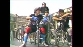 BMX FREESTYLE  Erick Marchello, Manu Massabova, Woody (émission: Eric et Nöella)
