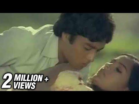 Aayiram Thamarai - Alaigal Oivathillai - Karthik & Radha video