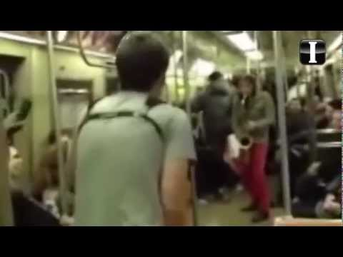 Guerra de sax en el metro de Nueva York