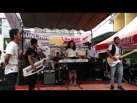 Tumbuk Tebing (lagu daerah Jambi) -  Alvina Rhea ft.  RnB #repost