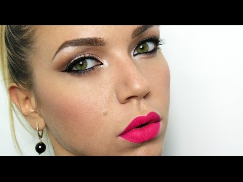 Trendy make-up | Cat eyes and Pink Velvet lips