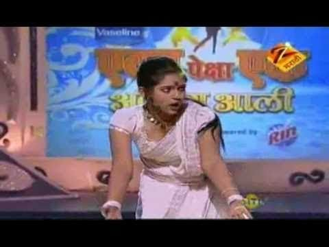 Eka Peksha Ek Apsara Aali April 06 11 Mrinmayee Deshpande