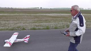 Fred first starts and landings E-flite Apprentice S 15E