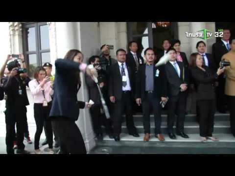 นายกฯ โชว์ลีลาดวลแบดมินตันกับ น้องเมย์ รัชนก | 20-04-59 | ThairathTV