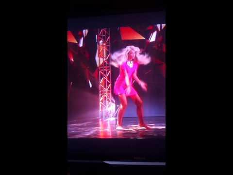 Бузова танцует