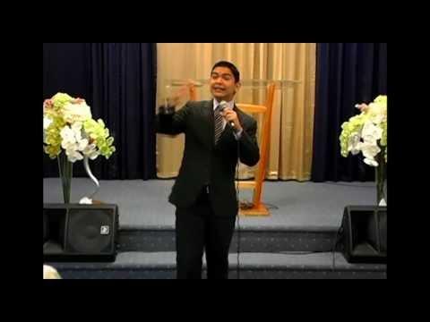 Perspectiva / Perspective. Predicador Carlos Iglesias (2)