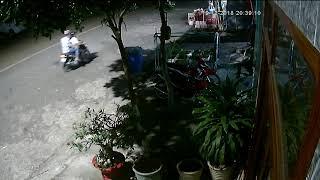 2 thằng chạy xe máy tính vô ăn trộm xe mà bị phát hiện(2)