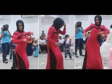 Düğünde Apaçi Dansı Yapan Tesettürlü [ Düğünde Kopan Türbanlı ] video