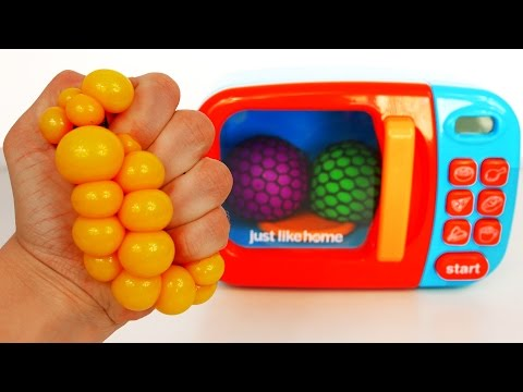 Learn Colors with Squishy Mesh Balls and Microwave Kitchen Toy Appliance