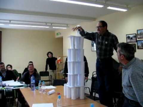 Torres de papel youtube for Trabajos en barcelona sin papeles