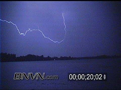 6/19/2000 Lightning video at night