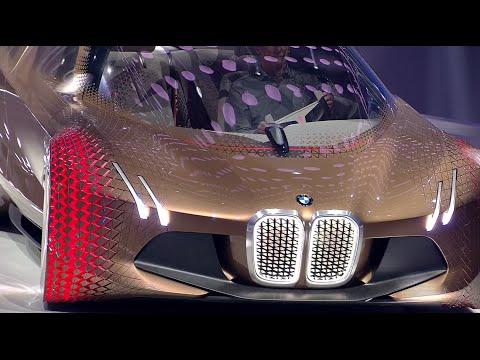 BMWの創立100周年コンセプトカーが未来的すぎて奇抜!