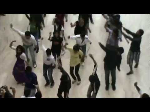 Sir Osthara & Poovai - Flash mob  Vizag CMR Central