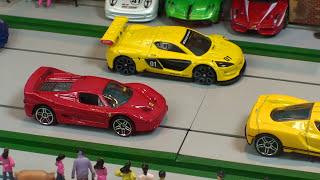 RACE  Hot Wheels  Supercar Collection Diecast Toy Cars, Toy car Racing,- coche de juguete