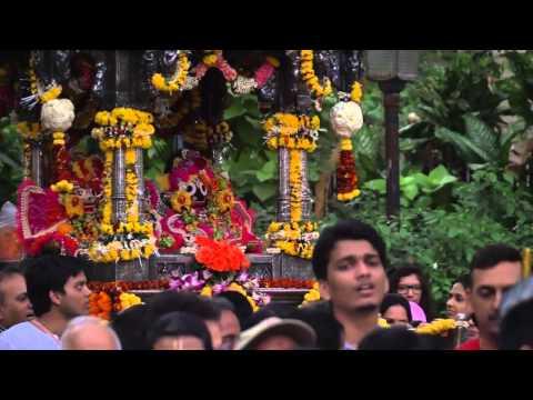 Jagannath Rath Yatra 2015 at Colaba, Mumbai