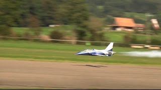Simi with a AC/DC Viper RC Turbine Model Jet Hausen 2016 (Lowpass Slow-Mo)
