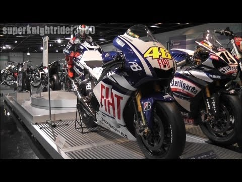 FIAT YAMAHA YZR-M1(2010) #46 V.Rossi / YAMAHA COMMUNICATION PLAZA