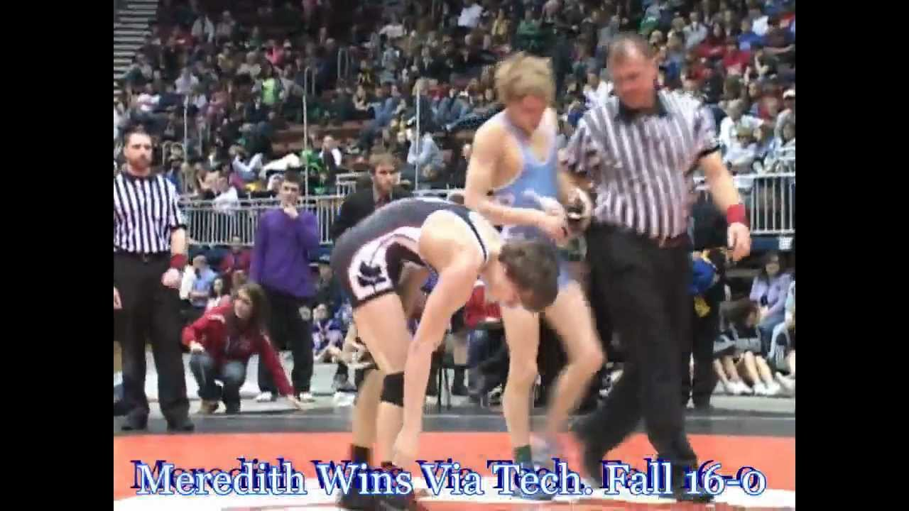 wrestling obesity and lower weight class So, while it seems like an easy enough concept to bulk up and gain 5-10 pounds and wrestle to the next weight class, there will always be wrestlers who are looking for the advantage of wrestling people who are smaller than them by losing weight and going to the lower weight class.