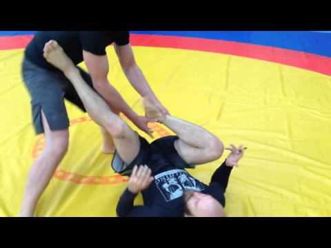 Jiu jitsu instructor abuses training partner Image 1