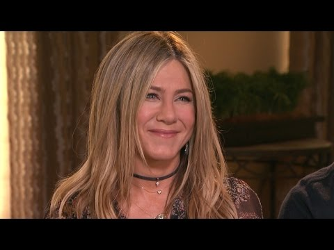 EXCLUSIVE: Jennifer Aniston Says Her Life Is 'Peaceful,' Talks Jake Gyllenhaal's Crush on Her