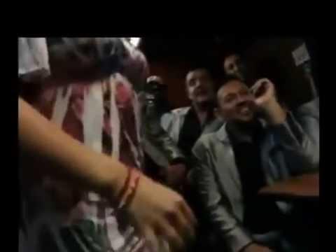 La Arrolladora Banda el Limón  desnudan a conductora  Andrea Vilash
