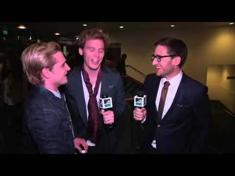 Josh Hutcherson & Sam Claflin talk with Josh Horowitz at the MTV Movie Awards