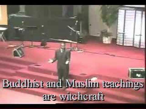 A Witch Hunt at Sarah Palin s church! (Thomas Muthee VIDEO)