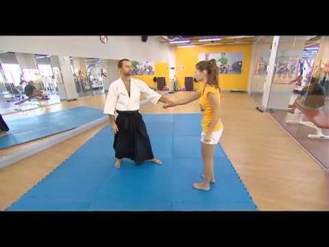 Уроки самообороны для девушек - видео