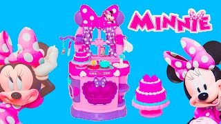 Unboxing the Minnie Mouse Sweet Surprise Kitchen Toys with the Assistant