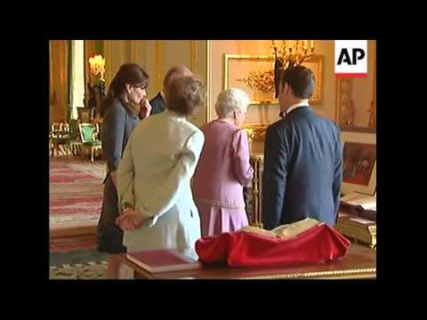 Queen Elizabeth conducts President Sarkozy on tour of Windsor Castle
