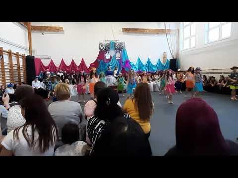 Farsang 2020 - Felsőnyárád - 3. osztály - Hawaii táncosok