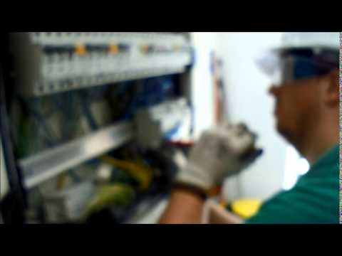 Instalación de equipo de aire acondicionado de 6000 frigorías