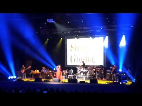 Wada Raha - Khakee (Shreya Goshal Live at Leicester)
