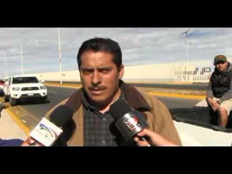 Docentes y administrativos del Cobaez toman instalaciones de Ciudad Administrativa, exigen pago de a