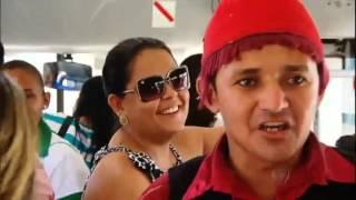 Achamos no Brasil: uma dupla de humoristas que transforma viagem de ônibus em Fortaleza