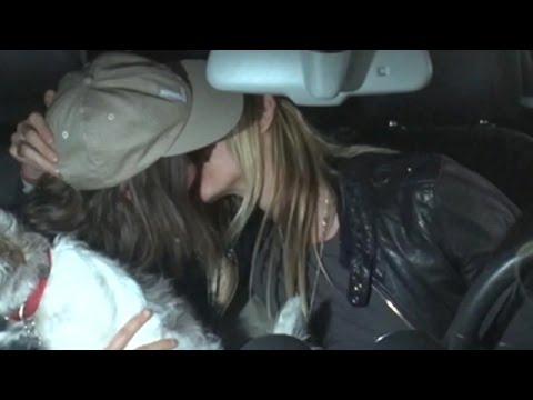 Ellen Page And Samantha Thomas Share A Kiss